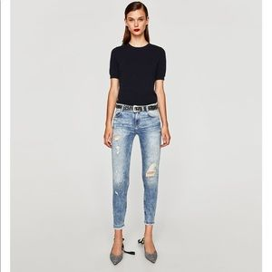 NWT Zara ripped mid rise light blue jeans